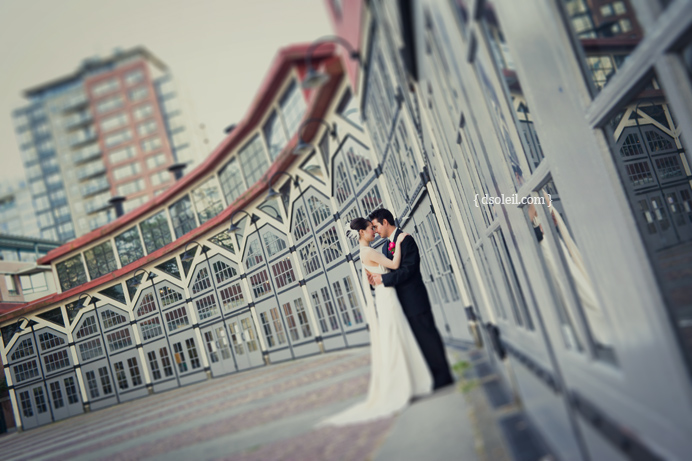 Roundhouse wedding photo in Yaletown