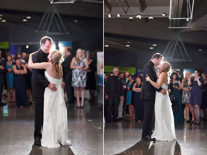 Vancouver Aquarium wedding first dance