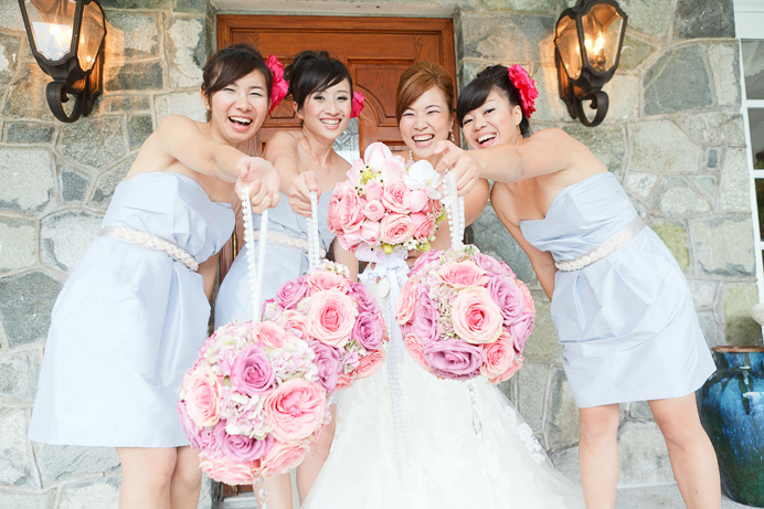 Bridesmaid and their flower bouquets by CC Roa Designs