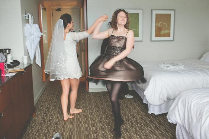 Wedding getting ready at Westin Bayshore Hotel