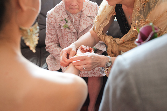 Vancouver wedding | Chinese tea ceremony