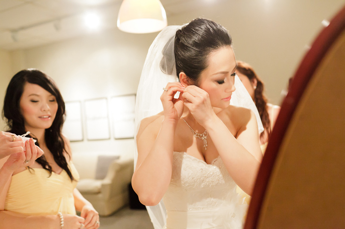 Bride getting ready at Unity Church in Vancouver