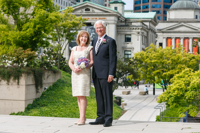 Wedding photos Vancouver Art Gallery