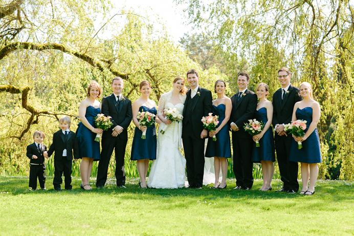 wedding family photos at vandusen gardens