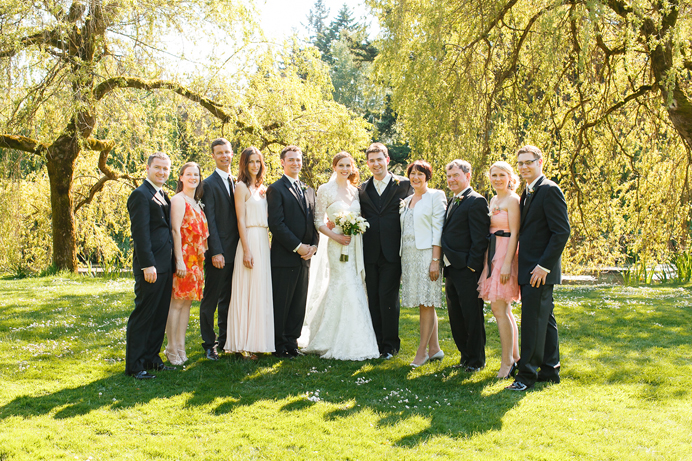 wedding family photos at vandusen gardens