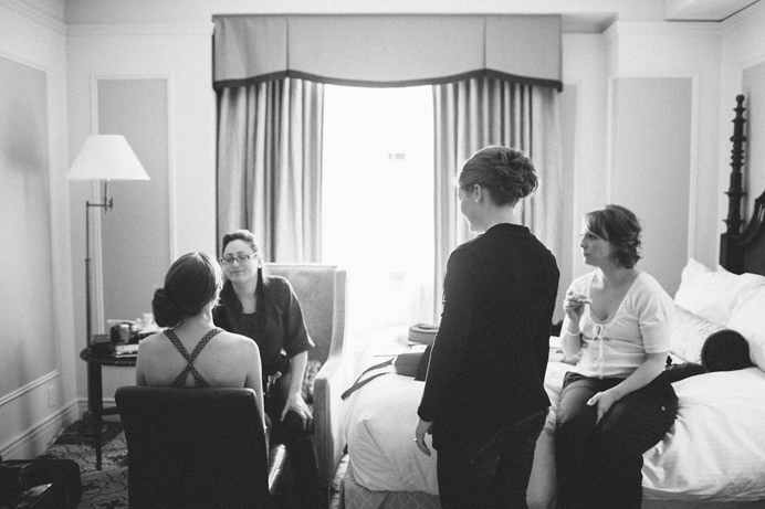 Wedding getting ready Hotel Vancouver (7)