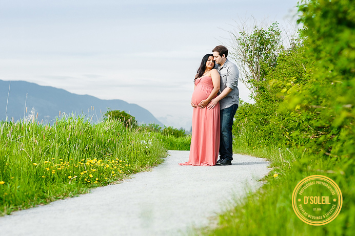 Outdoor maternity photo locations Vancouver