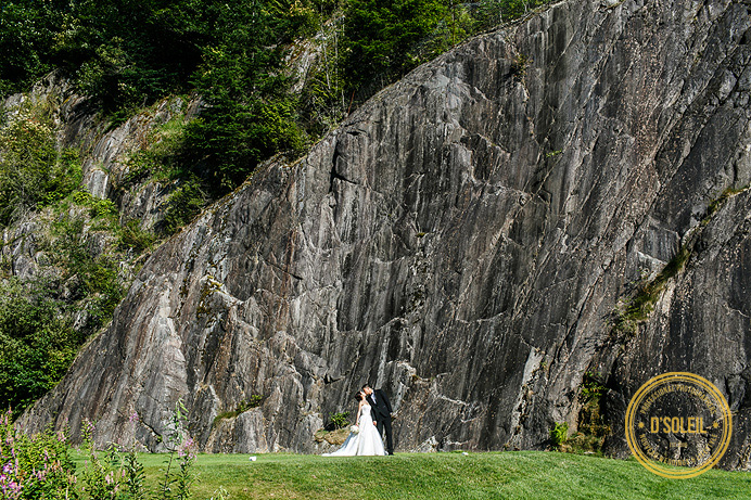 wedding photo of bride and groom at furry creek golf