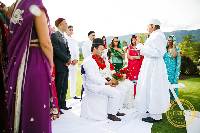 Swan-e-set Zoroastrian wedding