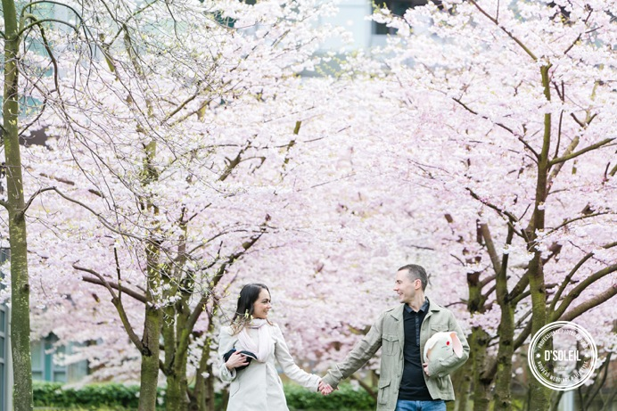 spring cherry blossom engagement sessions