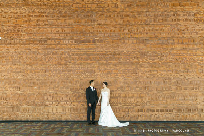 Wedding photo Vancouver Convention Centre wall of wood bride and groom photo