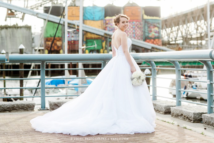bride-vancouver-sea-wall