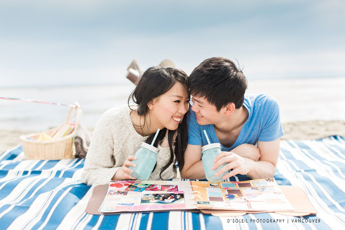beach picnic engagement photo