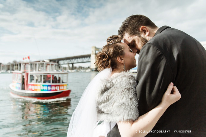False creek ferry aquabus wedding photo