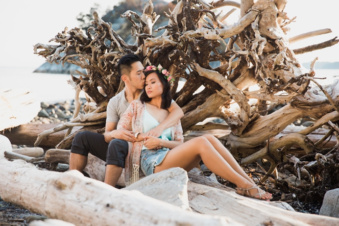 Whytecliff park rustic engagement session
