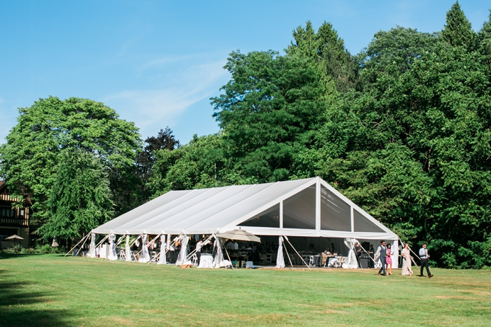 The Hart House Restaurant wedding outdoors