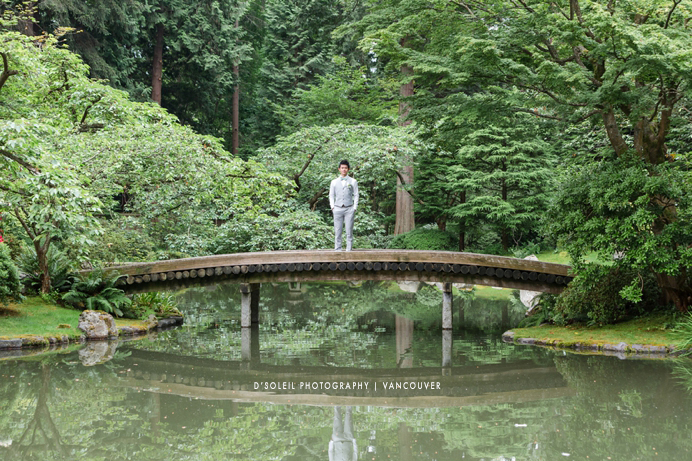 wedding photos at Nitobe Garden, UBC