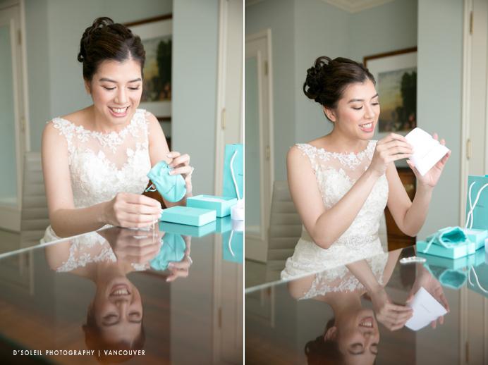 Bride opens blue tiffany box