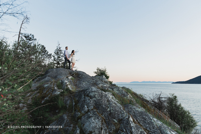 Caulfeild Park and Whytecliff park engagement photos