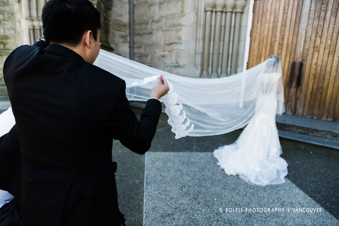 bride_at_holy_rosary_cathedral_vancouver_2746