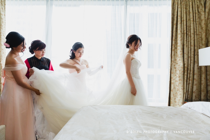 Bride getting ready at Shangri La Hotel