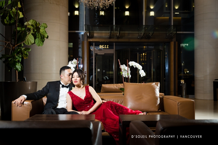 Bride and groom at Shangri La hotel lobby