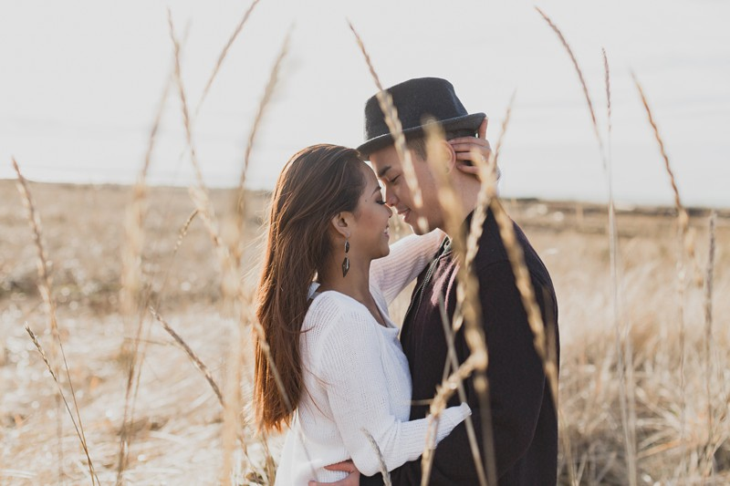 Engagement photos at the beach in the winter